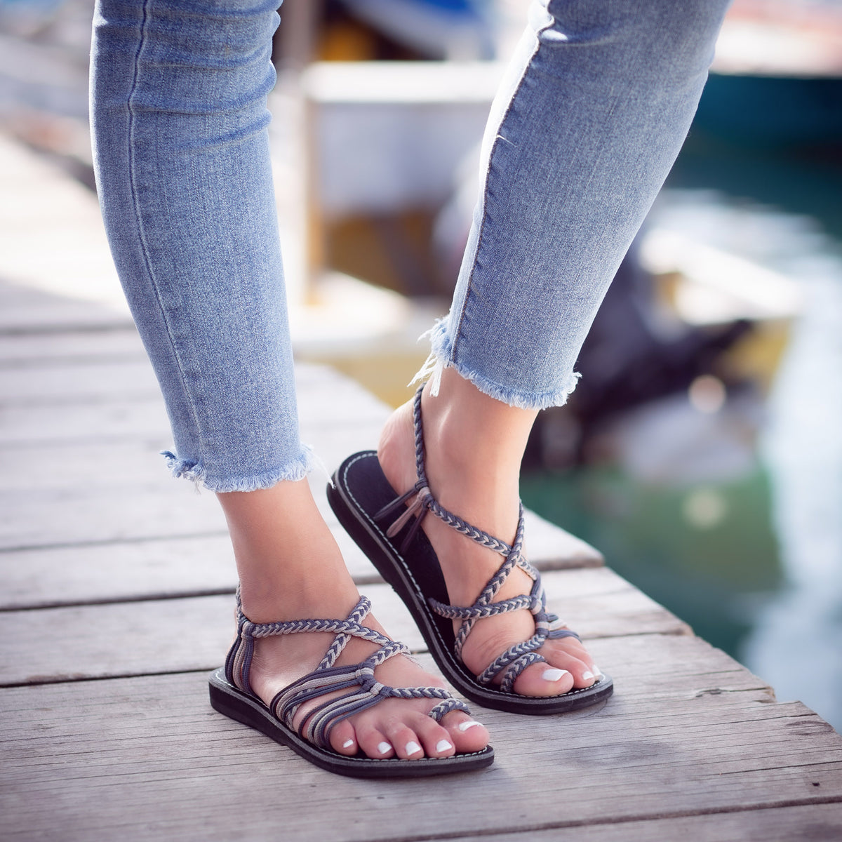 Palm Leaf Flat Women's Sandals | Gray Sand