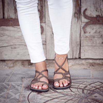 Palm Leaf Flat Women's Sandals | Taupe