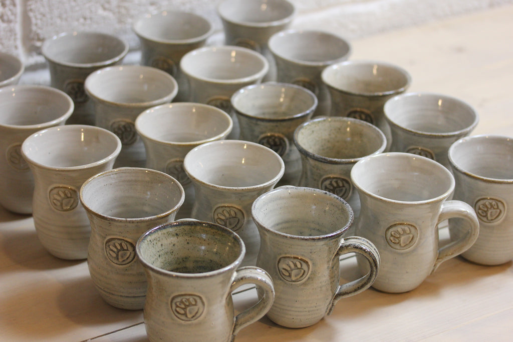Pottery repeat throwing mugs