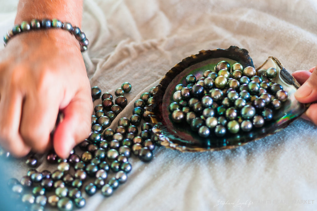 Pearls Don't Lie on the Seashore: The Ancient Art of Pearl Hunting