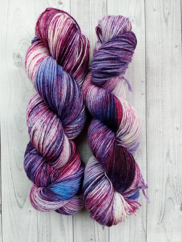 Amethyst Speckles, BFL High Twist