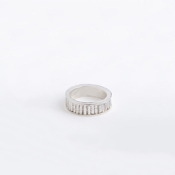 THE BAMBOO THIN RING IS A TEXTURE HAMMERING RING BY LAMCY 藍秋燕 CONTEMPORARY JEWELRY DESIGNER. IT IS MADE BY STERLING SILVER, MADE TO BE WORN AS RINGS OR PENDANT. EASY TO MIX AND MATCH. HANDMADE IN HO CHI MINH CITY, VIETNAM. SHIP WORLDWIDE FROM HONG KONG AND VIETNAM.