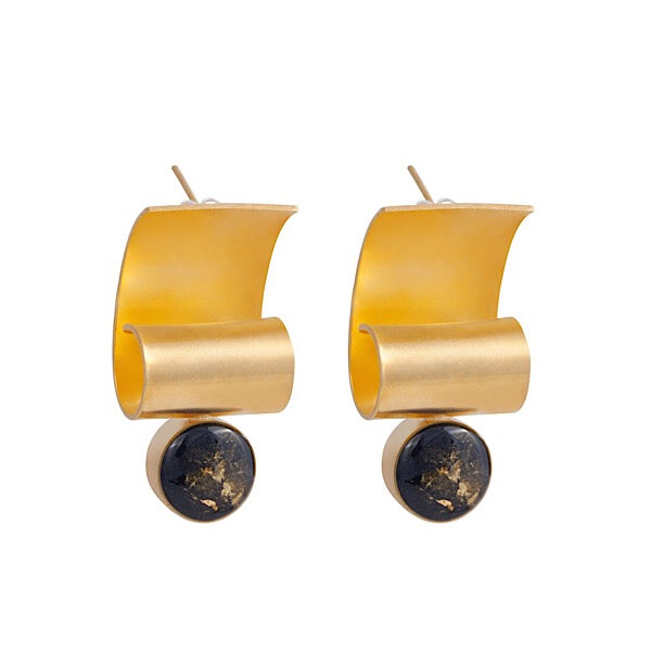 RESIN STONE CURVED EARRINGS WITH GOLD LEAF