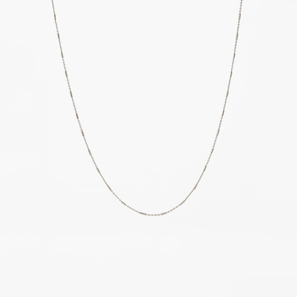 BASIC SILVER CHAIN BY LAMCY 藍秋燕 IN STERLING SILVER. AVAILABLE IN GOLD AND SILVER.  BEST TO MIX AND MATCH WITH RINGS AND PENDANTS. MADE IN HO CHI MINH CITY. WORLDWIDE SHIPPING FROM HONG KONG AND VIETNAM.