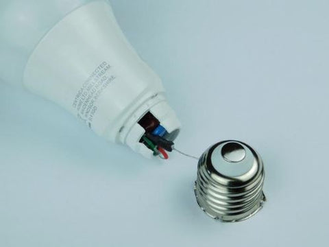 Hive-smart-led-bulb-remove-the-fitting