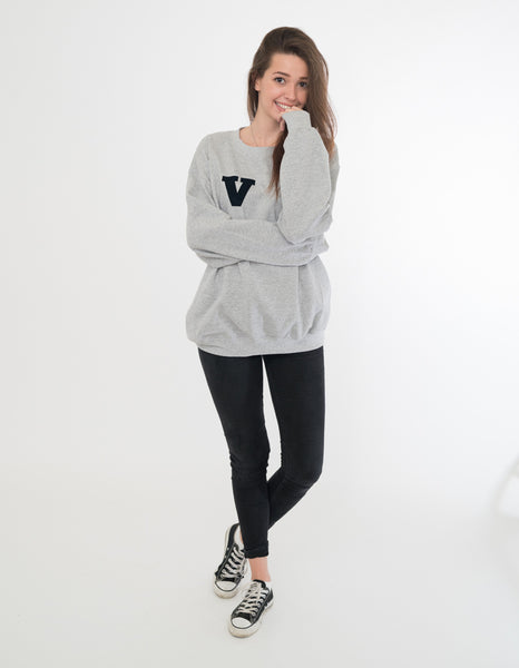 OVERSIZED V COLLEGE SWEAT