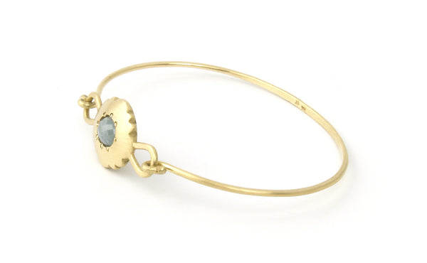 Scallop Oval Bracelet in 18K Fairmined Gold with Malawi Sapphire