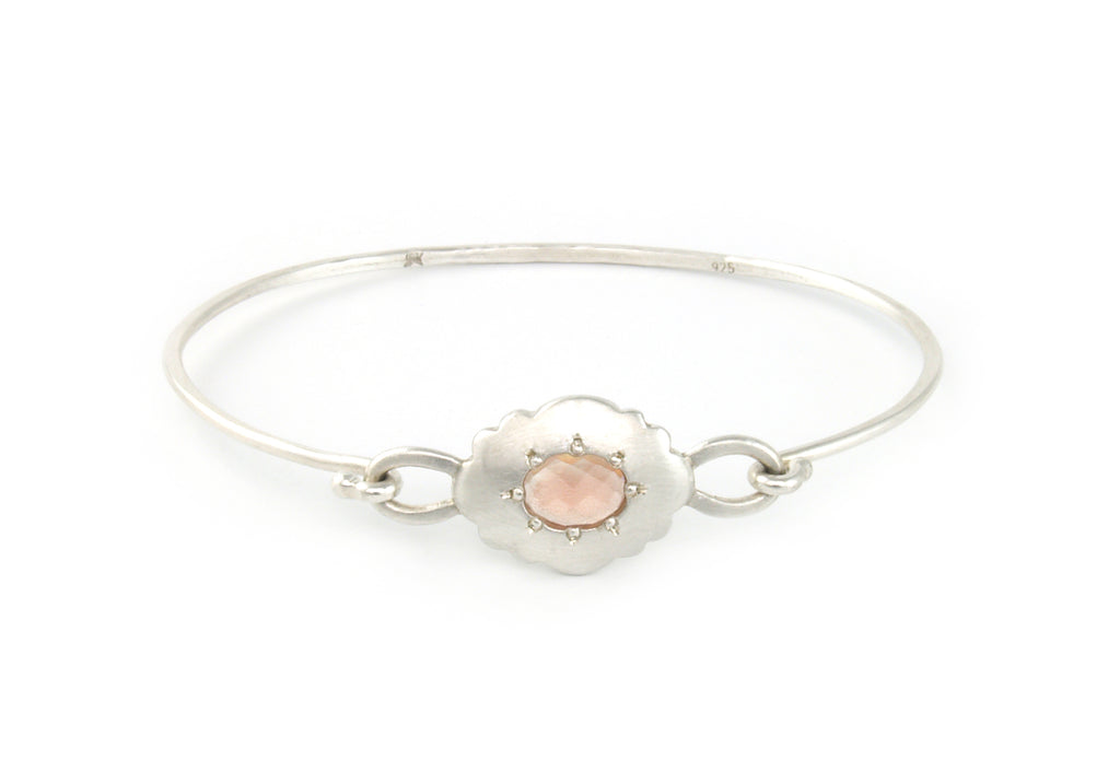 Scallop Oval Bracelet in Argentium Sterling Silver with Oregon Sunstone