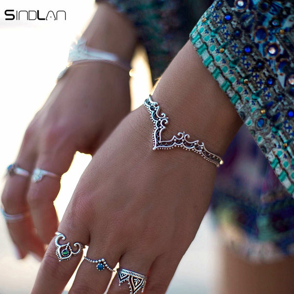 New Fashion Retro Plated Silver Jewelry Bohemian Opening Hollow Pattern Lace Backwards Crown Bracelet Bangles For Women