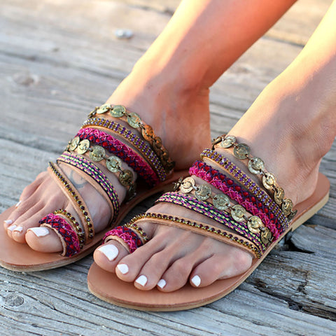Multi-colorful one toed sandals