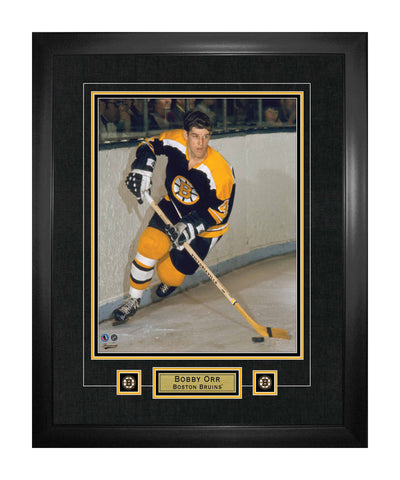 FRAMEWORTH BOSTON BRUINS ORR FRAMED 22X28