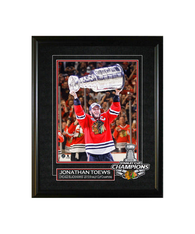 FRAMEWORTH CHICAGO BLACKHAWKS JONATHAN TOEWS 8X10 VIRTUAL FRAME
