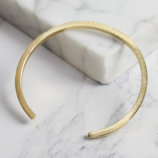 Gold bar bangle