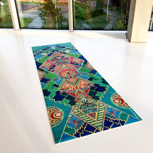 Hand-painted yoga mat: Island of the Gods