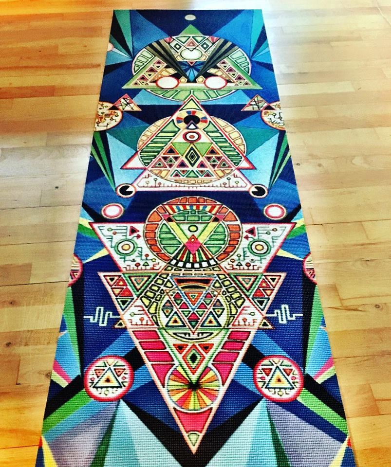 Hand-painted yoga mat: Alien Remix