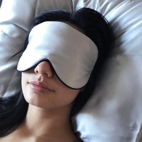 GingerChi Silk Eye Mask  Luxurious Anti-Aging Tool SILVER