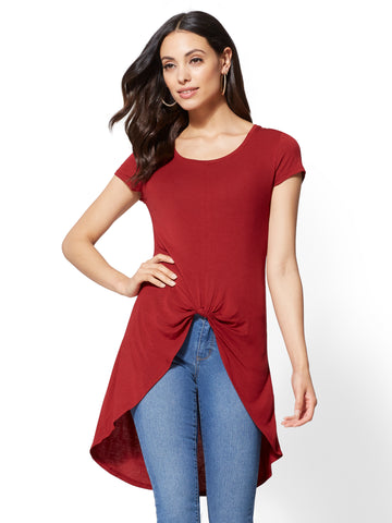 Soho Soft Tee - Knot-Detail Hi-Lo Top in Berry Crush
