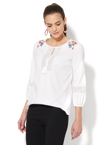 7th Avenue - Embroidered Peasant Blouse in Optic White