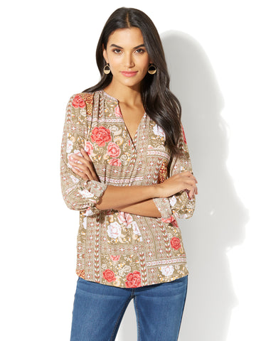 Soho Soft Shirt - Split-Neck - Floral Print in Union Square Green