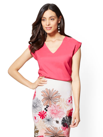 7th Avenue - V-Neck Top in Hibiscus Pink