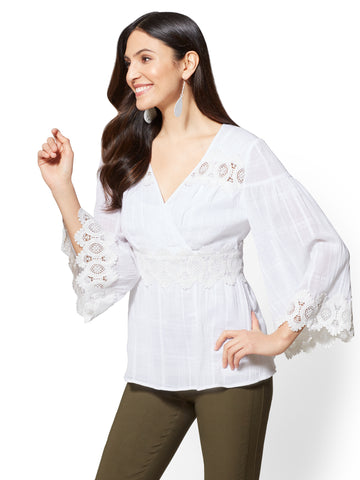 7th Avenue - Applique Bell-Sleeve Blouse in Paper White