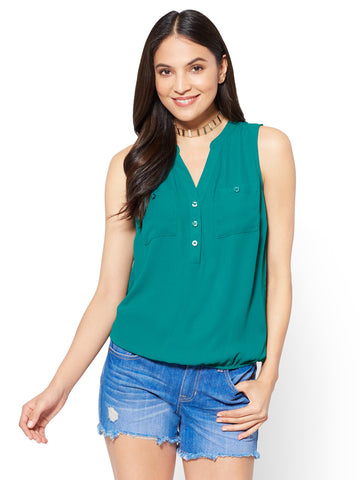 Soho Soft Shirt - Sleeveless Bubble-Hem Blouse in Green Jade