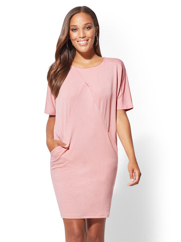Soho Street - Pleated Shift Dress in Lilac Rose