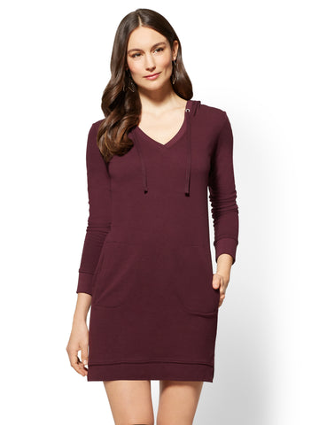Hoodie Sweatshirt Dress in True Burgundy