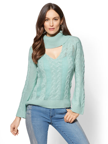 Choker Turtleneck Sweater in Mint Ice Cream