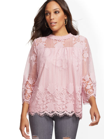Scallop-Hem Lace Blouse in Dreamy Lilac