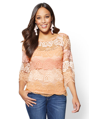 Bell-Sleeve Lace Blouse in Honey Puff