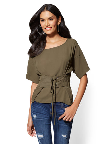 Short-Sleeve Corset Blouse in Woodland Green