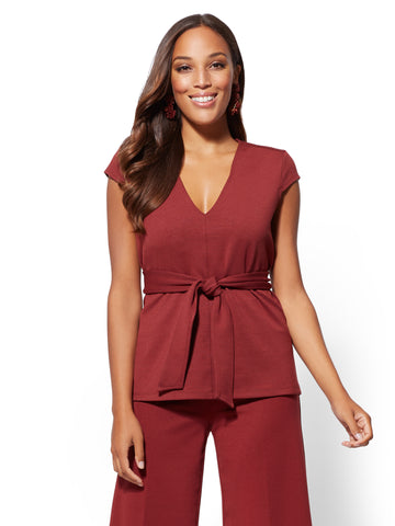 7th Avenue - V-Neck Belted Top in Old Brick Road