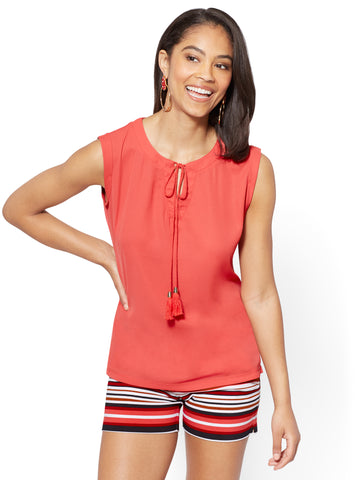 7th Avenue - Tassel-Accent Split-Neck Shell in Papaya