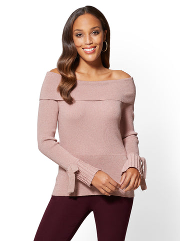 7th Avenue - Off-The-Shoulder Sweater in Antique Rose