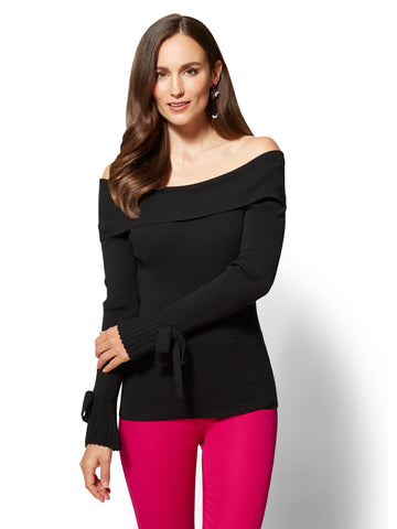 7th Avenue - Pleated Off-The-Shoulder Sweater in Black