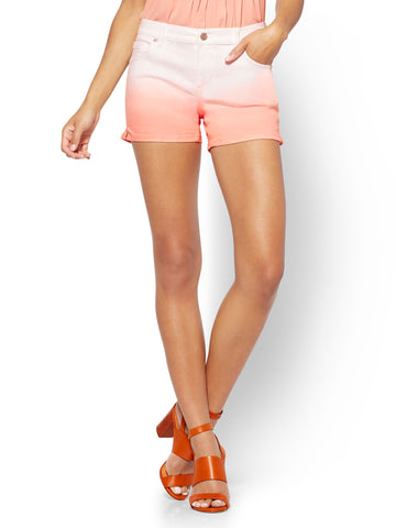 Soho Jeans - Bowery 4 Inch Short - Ombre in Fondant Peach