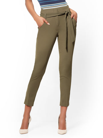 7th Avenue Pant - Belted Slim Ankle in Woodland Green