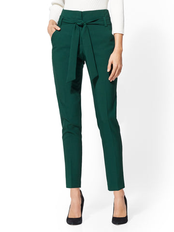 7th Avenue - The Madie Pant in Velvet Green