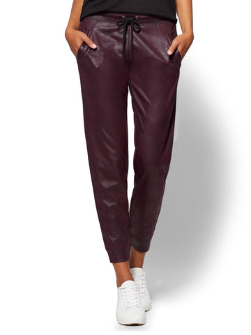 Soho Street - Drawstring-Tie Jogger Pant in True Burgundy