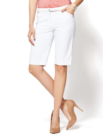 7th Avenue - Bermuda Short - Signature in Optic White