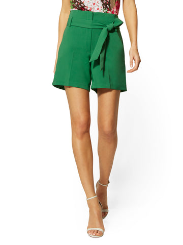 6 Inch Madie Short - 7th Avenue in Luscious Green