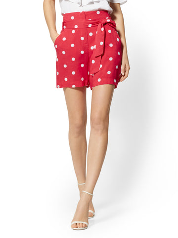 6 Inch Madie Short - Dot-Print - 7th Avenue in Hopeful Red