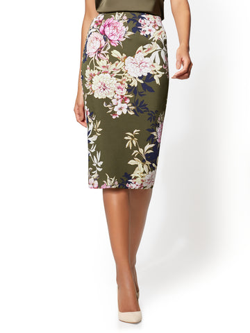 7th Avenue - Pull-On Pencil Skirt - Floral in Woodland Green