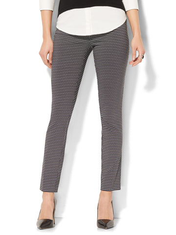 7th Avenue Pant - Legging - Pull-On - Linear Dot Print in Black