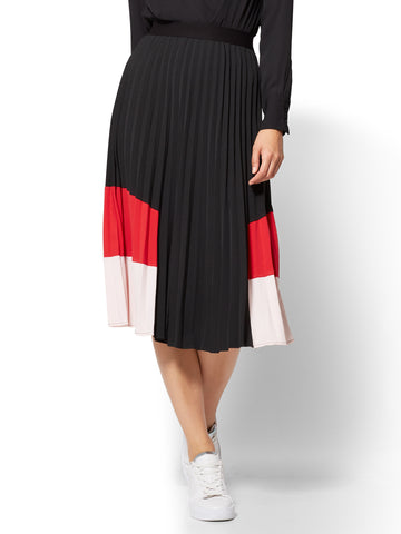 Colorblock Pleated Skirt  in Black