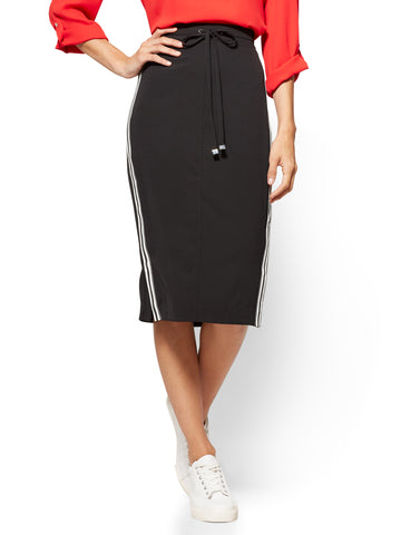 Racing-Stripe Drawstring-Tie Skirt  in Black