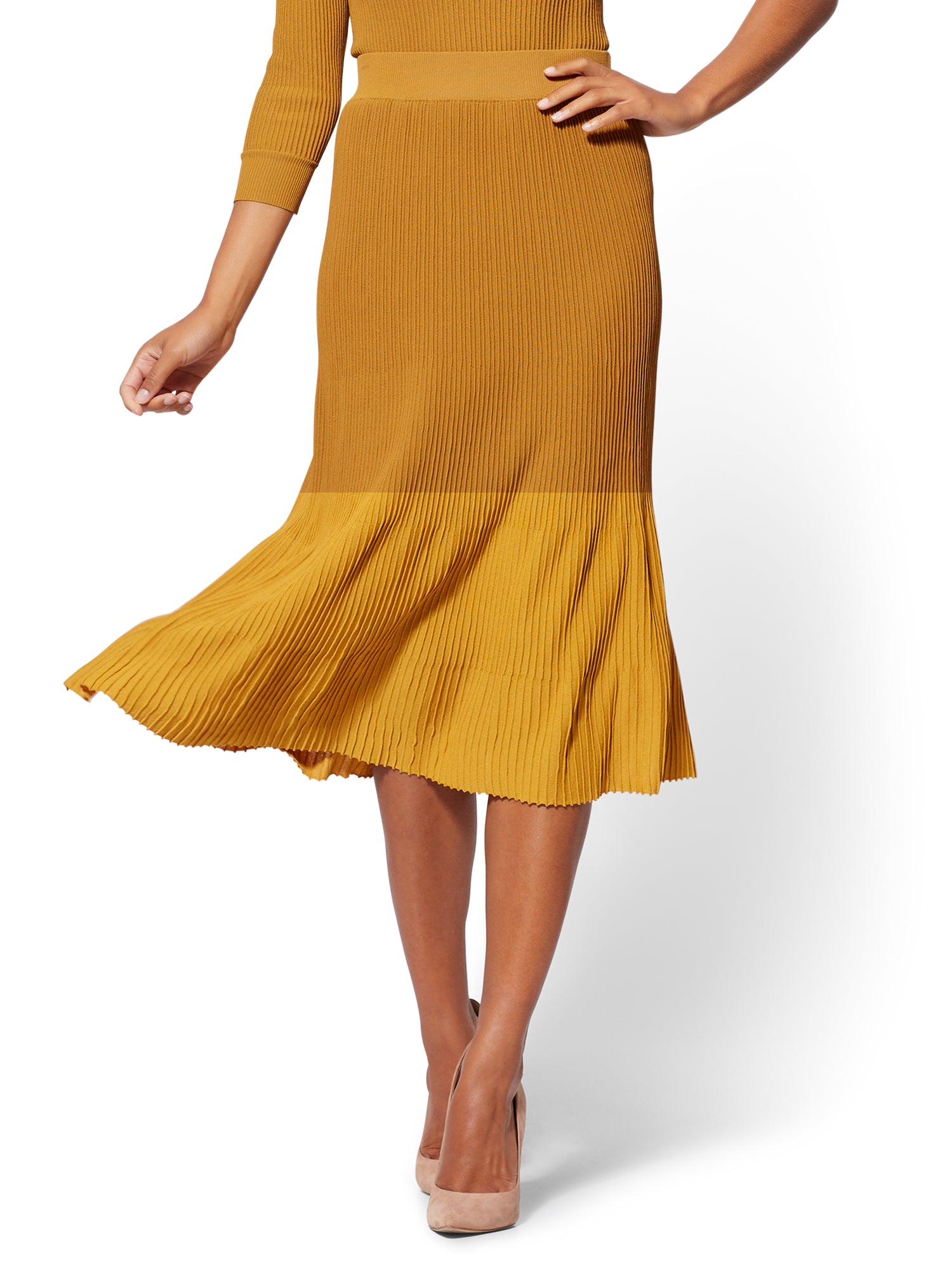 eb59bafd7ebb New York & Company | 7th Avenue - Pull-On Pleated Skirt in Gold Dust ...