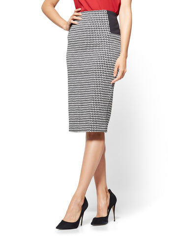 7th Avenue - Pull-On Pencil Skirt in Houndstooth