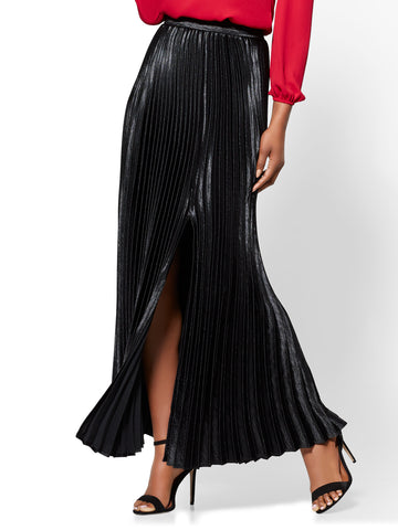 7th Avenue - Pleated Maxi Skirt in Black